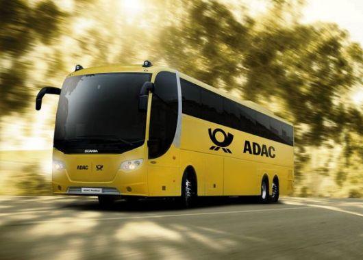 ADAC Postbus feiert 1. Geburtstag mit kostenloser Rückfahrt