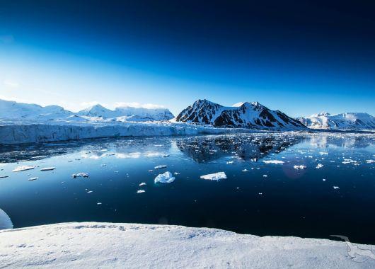 Abenteuer Spitzbergen im Sommer: Hin- und Rückflug mit SAS von Berlin nach Longyearbyen ab 212€