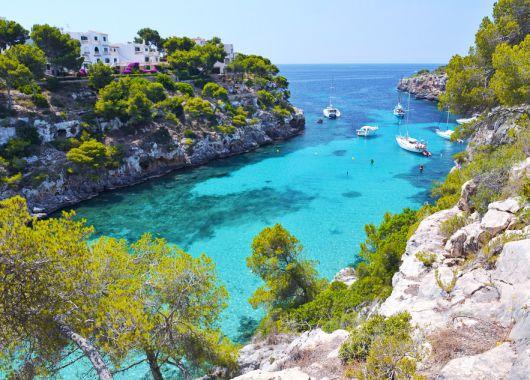 Mallorca im Mai: 1 Woche im sehr guten 3* Hotel in Alcudia inkl. Flug ab 255€