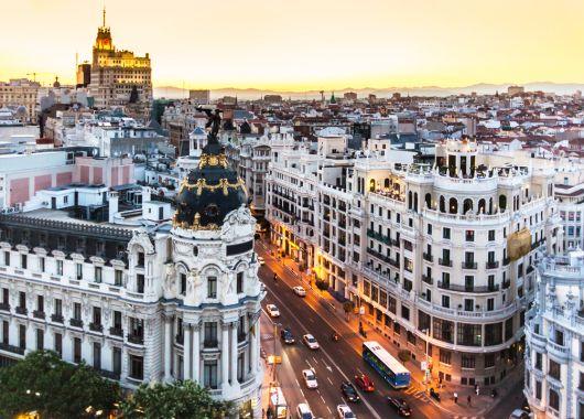 Madrid: 3 oder 4 Tage im zentralen 4* Hotel inkl. Flug und Frühstück ab 159€