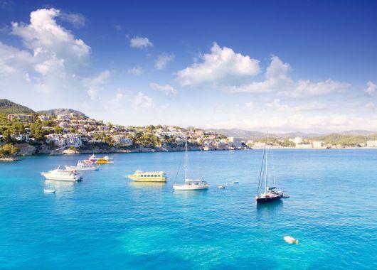 1 Woche Mallorca Ende April: 4* Hotel inkl. Meerblick, Halbpension, Flug & Transfer ab 448€