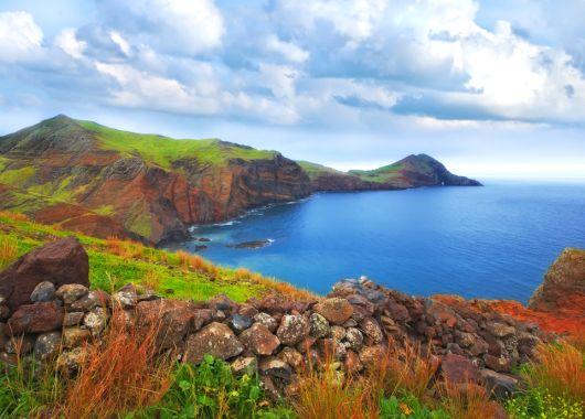 Mitte Januar: 1 Woche Madeira im 4* Hotel inkl. Flügen, Frühstück, Weinprobe und Transfers ab 299€