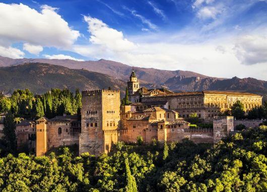 1 Woche Granada im Juli – Top 4* Hotel ab 326€ inkl. Direktflug nach Malaga ab München, Stuttgart…