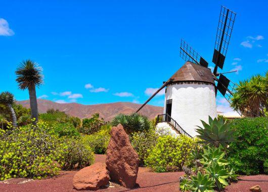 Lastminute: 1 Woche Fuerteventura im 4* Hotel All Inclusive, Flug ab Stuttgart und Transfer ab 396€