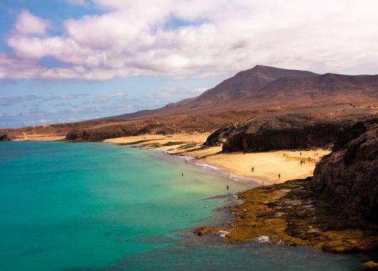 Lanzarote im Januar: 1 Woche im 3* Hotel inkl. Flug, Transfer und Frühstück ab 325 Euro pro Person