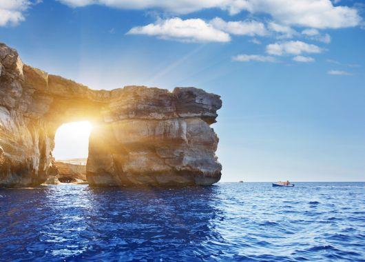 Sonneninsel Malta: 1 Woche direkt am Wasser im 3*Hotel mit Flug, Transfers und Frühstück ab 199€