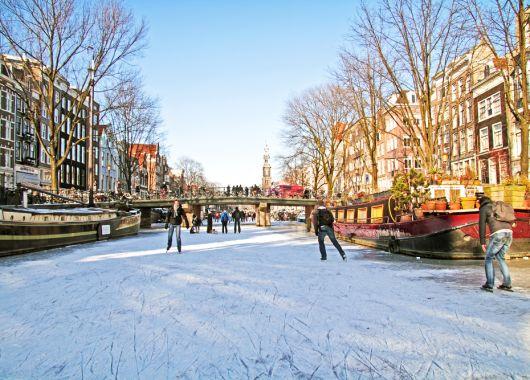 3 Tage Amsterdam in der Weihnachtszeit im extravaganten 4* Hotel für 83€ pro Person
