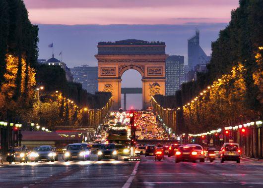3 Tage Paris im guten & zentralen 4* Hotel und Bootsfahrt auf der Seine für 139€