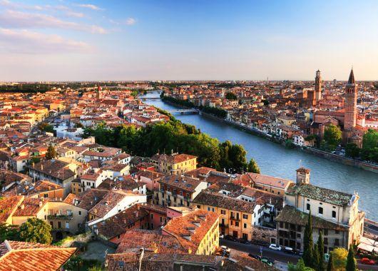 5 Tage Verona im guten 3* Hotel inkl. Flug und Frühstück ab 190€