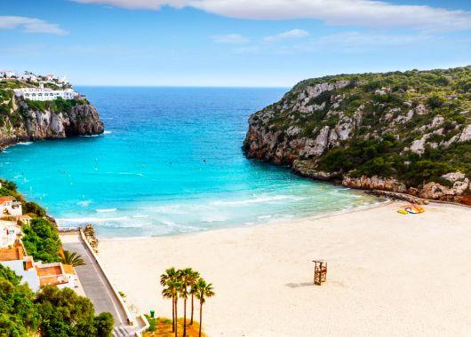 Last Minute nach Menorca: 1 Woche im 3*Hotel inkl. Flügen und Transfers ab 189€