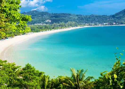 2 Wochen Phuket im 4* Resort inkl. Frühstück, Flug, Rail&Fly und Transfer ab 829€