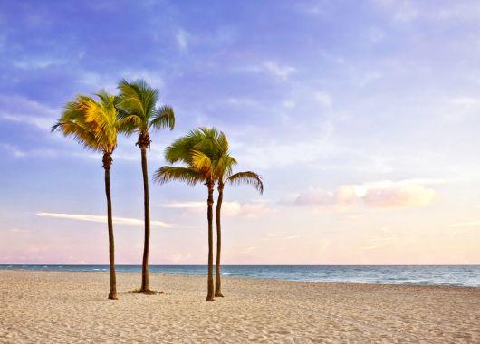 1 Woche Florida: 7 Tage ins 3*Hotel in Fort Myers Beach mit Flügen und Rail&Fly für 779€