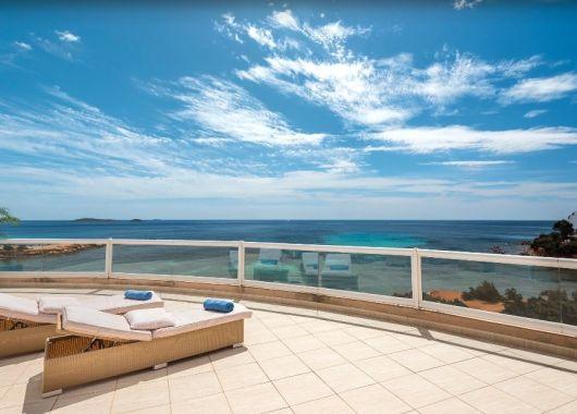 Herbsturlaub: 1 Woche Ibiza im 4* Hotel inkl. Frühstück, Flug und Transfer ab 372€