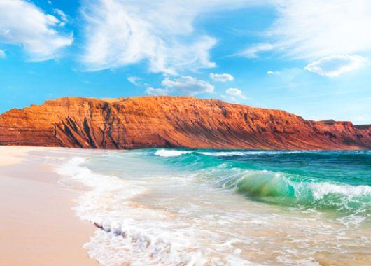 Lanzarote: 5 Tage im 3-Sterne Hotel inkl. Flügen, Transfers und Rail&Fly für 221€