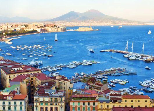 Kurzurlaub Neapel: 3 bis 6 Tage im zentralen Hotel inkl. Flügen ab 199€