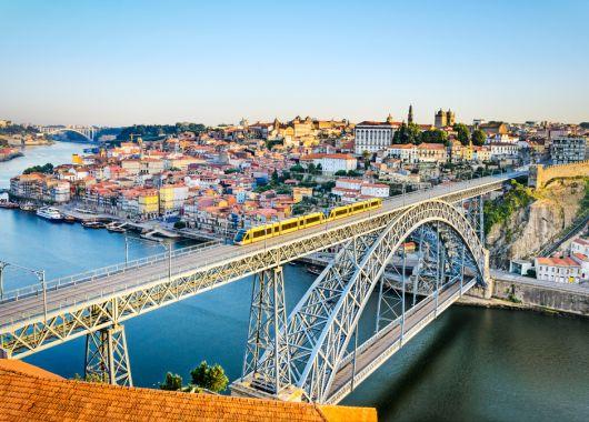 Porto-Kurztrip: 4 Tage im 4* Hotel inkl. Flug und Frühstück ab 163€