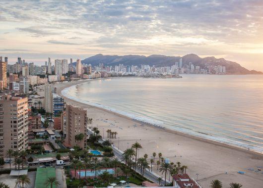 Costa Blanca: 8 Tage in Alicante inkl. Flügen, Hotel und Frühstück ab 239€