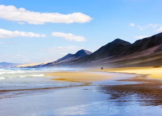 Fuerteventura im Dezember: 1 Woche im 3* Hotel inkl. Flug, Transfer und Rail & Fly ab 297 Euro pro Person