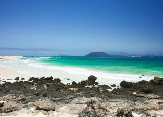 Fuerteventura: 1 Woche im guten Hotel inkl. Flug und Transfer ab 341€ pro Person