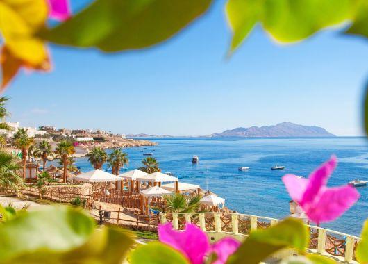 Lastminute: 1 Woche Hurghada im 5* Steigenberger mit All In, Flug, Rail&Fly und Transfer ab 390€