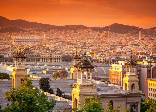Barcelona: 4 Tage im 4* Hotel in Badalona inkl. Flügen und Frühstück ab 155€