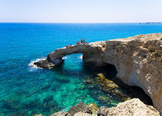 Lastminute: 1 Woche Zypern im 4* Strandhotel inkl. Halbpension und Flug ab 428€