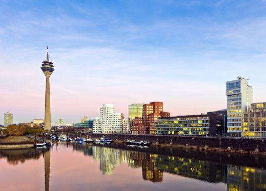 Düsseldorf: 3 – 6 Tage in einem 4* Überraschungs-Hotel inkl. Frühstück ab 99€ für zwei Personen