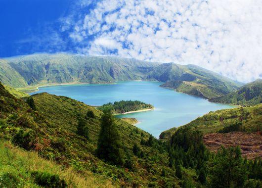 Azoren im April: 1 Woche São Miguel im 4* Hotel inkl. Frühstück, Flug und Transfer ab 381€