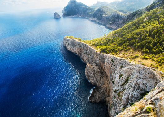 Kurztrip im Mai: 4 Tage Mallorca im 4* Apartment, Flug und Rail&Fly ab 184€