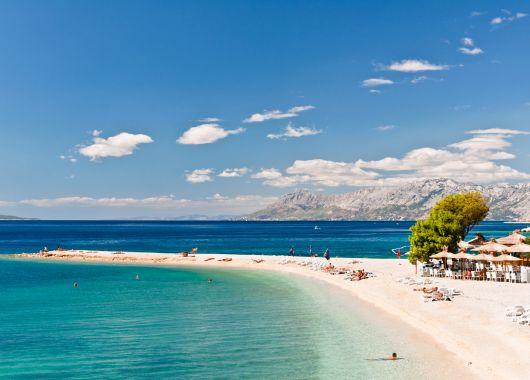 1 Woche im kroatischen Brac: 4* Hotel inkl. Frühstück, Rail&Fly, Flug und Transfer ab nur 330€