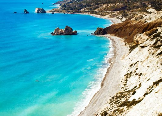 2 Wochen Zypern im 4* Hotel inkl. Flug, Halbpension, Transfer und Rail&Fly ab 633€