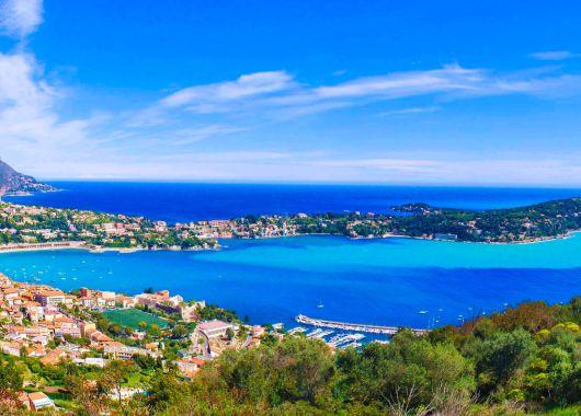 8 Tage Côte d'Azur im Feriendorf Azurèva Roquebrune-Cap-Martin mit Halbpension und Schwimmbad für 199€ p.P.