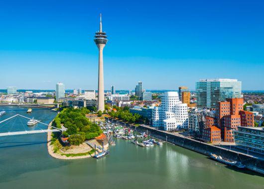 Düsseldorf: Top 4* Hotel Park Inn by Radisson für 18 Euro pro Person