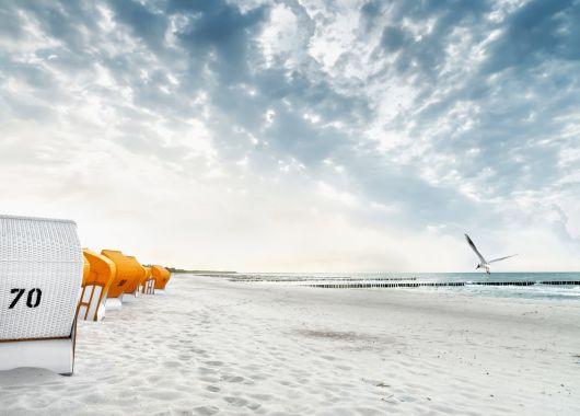 Familienurlaub an der Ostseeküste: 4 Tage im 4* Apartment mit Küche, Kamin und Wellness für 199€ zu viert