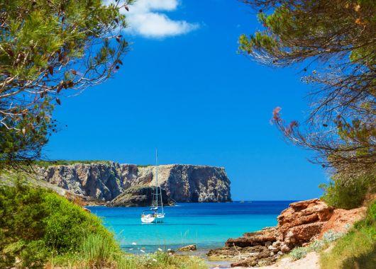 Kurzurlaub Menorca: 5 Tage im 3*Aparthotel inkl. Flug und Transfer ab 279€