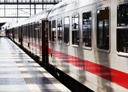 Handy-Spezial bei der Deutschen Bahn: Tickets inkl. Sitzplatz für nur 25€ (1. Klasse für 35€)