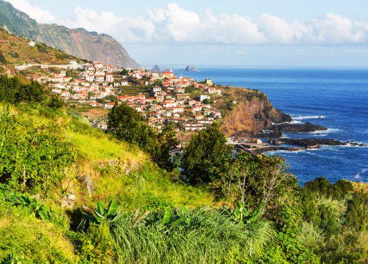 Last Minute nach Madeira: 1 Woche im sehr guten Hotel inkl. Flug, Rail & Fly, Transfers und Frühstück ab 298€