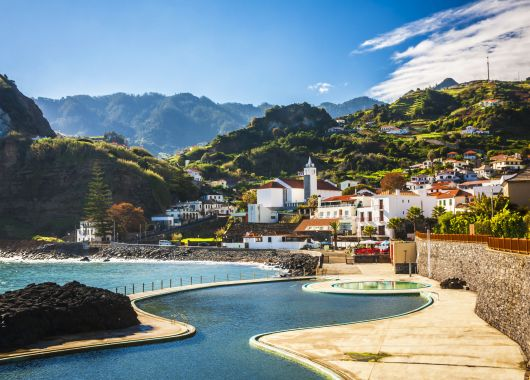 1 Woche Madeira im Dezember: 4* Hotel inkl. Frühstück, Flug, Rail&Fly und Transfer ab 361€