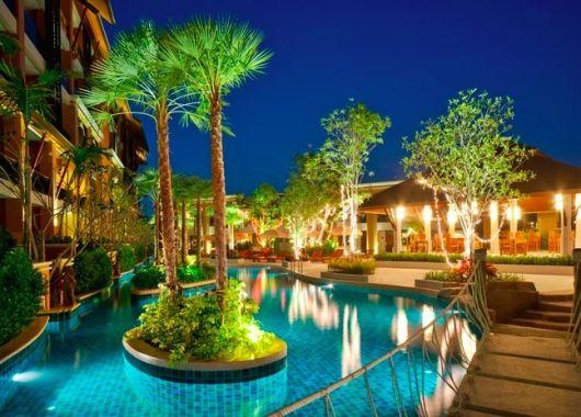 10 Tage Phuket Ende Januar: 4* Hotel mit Frühstück, Flug, Rail&Fly und Transfer ab 872€