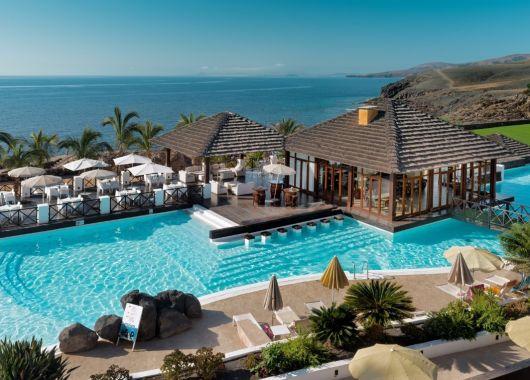 Lastminute: 1 Woche Lanzarote im 5* Hotel inkl. Frühstück, Flug und Transfer ab 466€