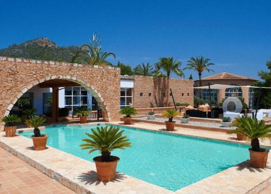 1 Woche Cala Bona im Mai: 4* Apartment, Flug, Rail&Fly und Transfer ab 213€