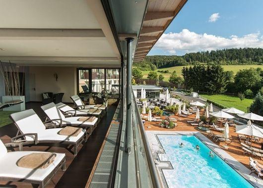 3 Tage 5* Wellness in Hessen: Schlosshotel inkl. Halbpension und Massage ab 199€