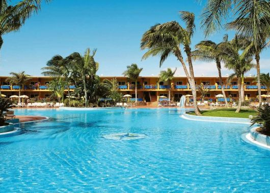 Lastminute: 1 Woche Fuerteventura im 4* Hotel mit All In, Flug, Rail&Fly und Transfer ab 467€