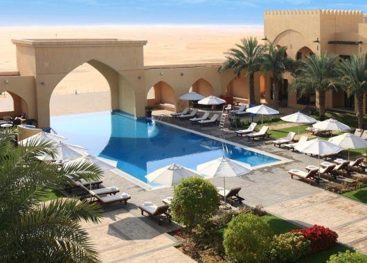 1 Woche Abu Dhabi im 4* Wüstenhotel inkl. Frühstück, Flug und Transfer ab 655€