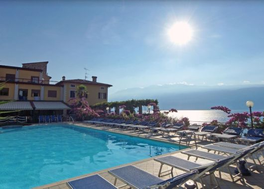 4, 5 oder 8 Tage am Gardasee: 3* Hotel mit Seeblick, Halbpension und Late Check Out ab 119€