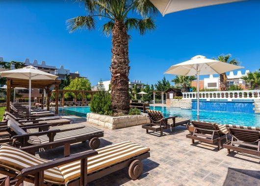 1 Woche Kos im Mai: 4* Hotel mit All Inclusive, Flug und Transfer ab 358€
