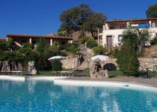 Lastminute: 1 Woche Sardinien im 3* Landhotel inkl. Frühstück und Flug ab 330€