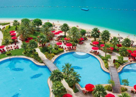 Sommerurlaub in Abu Dhabi: 1 Woche im 5* Hotel inkl. Frühstück, Flug & Transfer ab 599€
