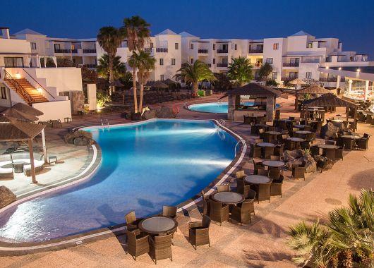 1 Woche Lanzarote im 4* Hotel inkl. Frühstück, Flug, Rail&Fly und Transfer ab 396€