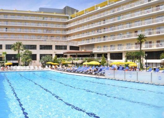 7 Tage Costa Brava Ende Mai – 4* Hotel in Lloret de Mar mit Frühstück und Flug für 218€